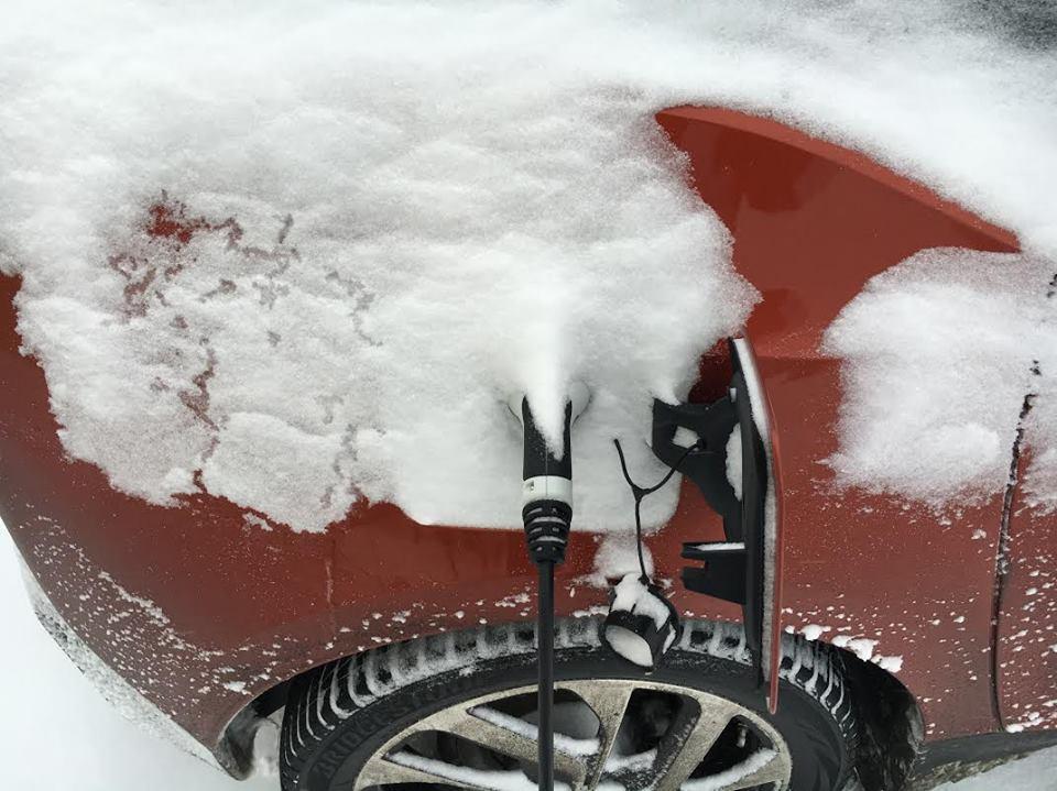 德耐隆改性耐火隔热毡助力新能源车热管理发展